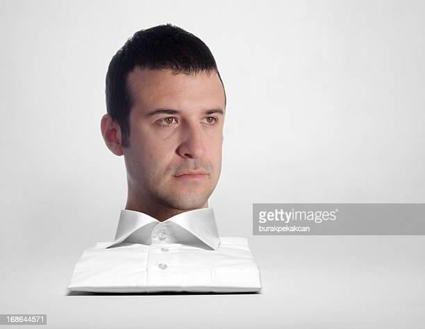 Jeune homme d'affaires, vêtu d'une chemise blanche, portrait, Istanbul, Turquie