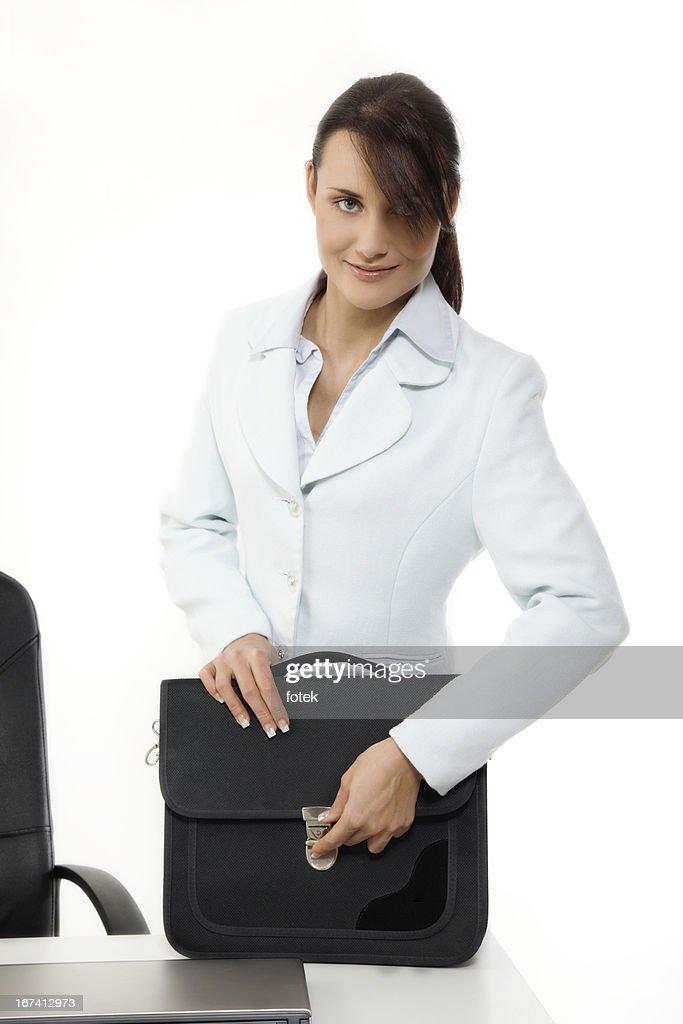 Junge Geschäftsfrau mit Aktentasche : Stock-Foto