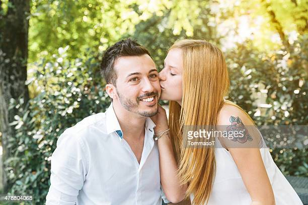Jeune couple Flirter