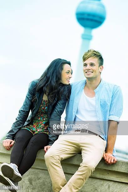 Junges Paar glücklich in Berlin