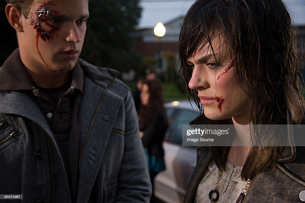 Young couple involved in road accident : Stock Photo