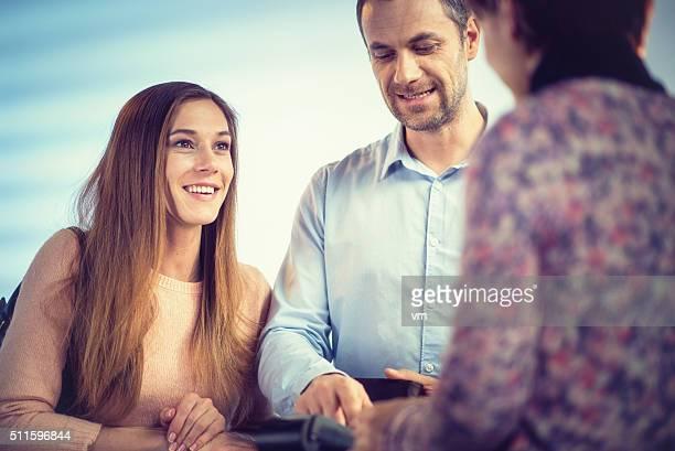Junges Paar kaufen