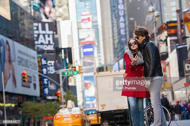 Young couple on vacation, New York City, USA