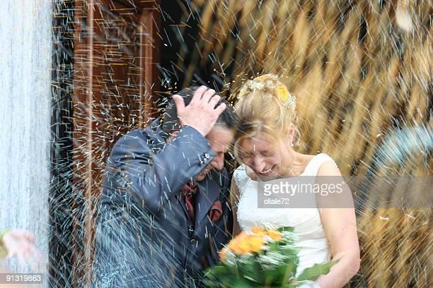 Jeune Couple juste Marié Mariage jour