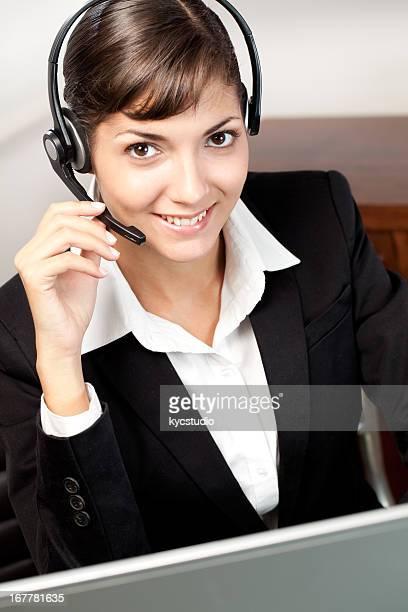 Jeune client représentant servicer parler