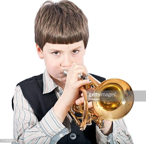Giovane carino boyl a tromba