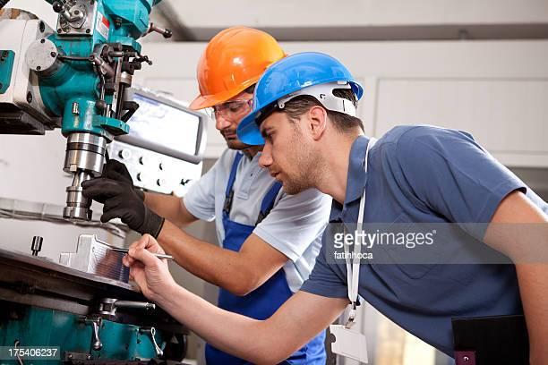 Junger Ingenieur und Foreman