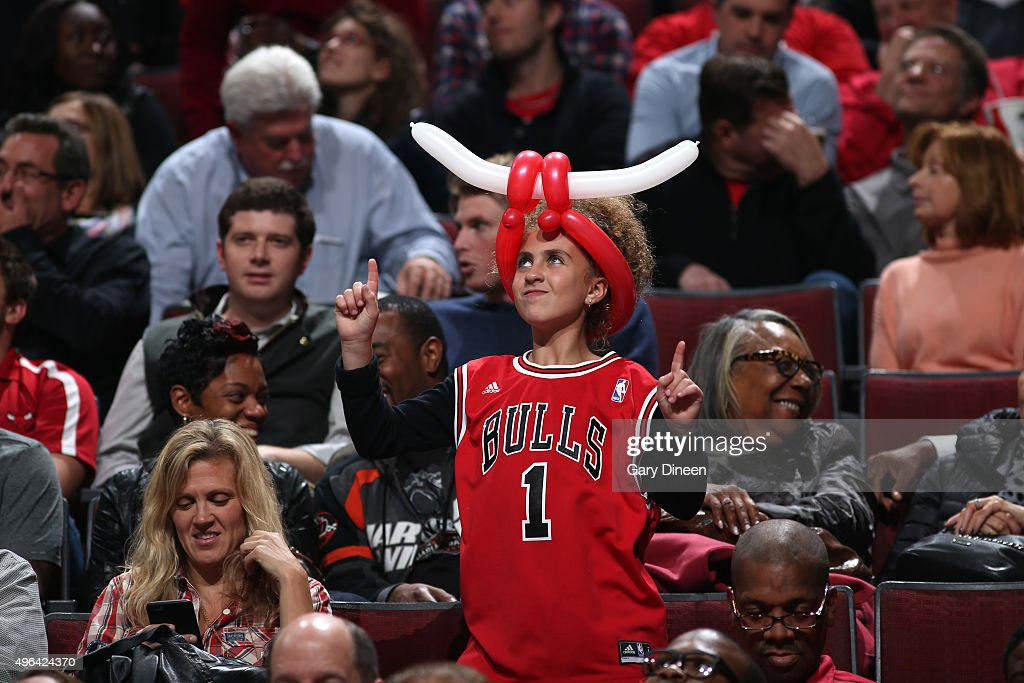Young fans cheer during the game between Oklahoma City Thunder and the Chicago Bulls on November 5, 2015 at the United Center in Chicago, Illinois.
