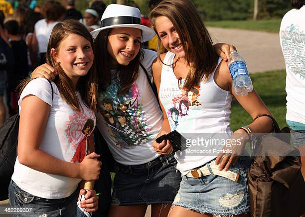 Young fans during a photo shoot about musical band Jonas Brothers' backstage and concert on August 14th 2008 at Bethel Woods Center in Bethel New...