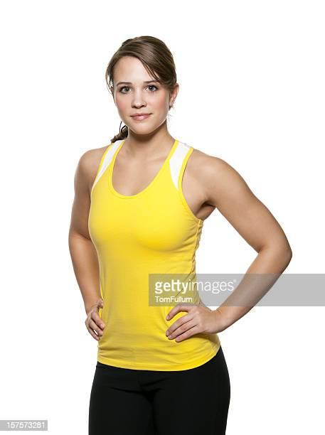 Taglio giovane donna in abbigliamento da allenamento