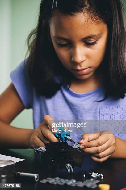Junges Mädchen liebt science