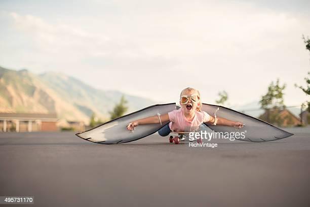 若い少女、手羽先の区間でスケートボード