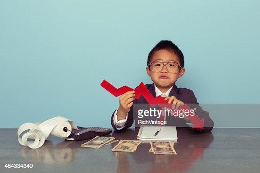 Jovem rapaz está a perder dinheiro Japonês