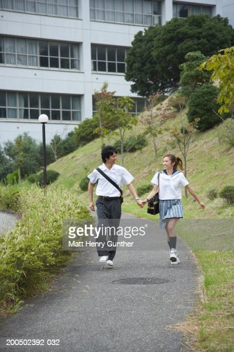 young school downblouse pics