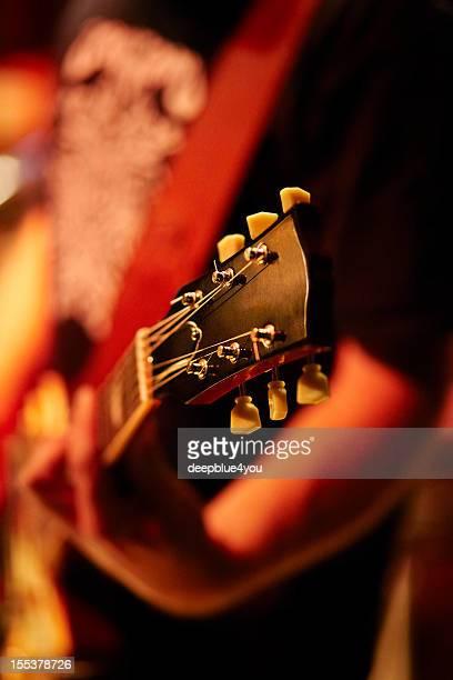 ギタープレーヤーをステージ