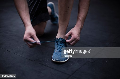 Young man preparing to do exercises : Stock Photo