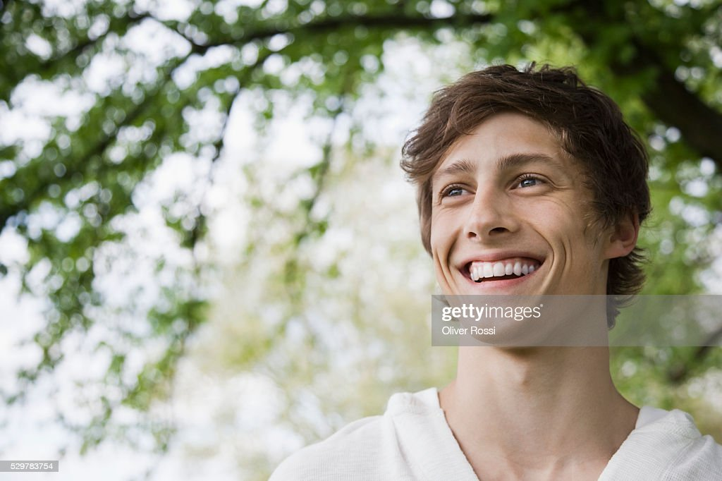 Young man smiling : Foto de stock