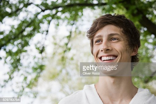 Young man smiling : Stock-Foto