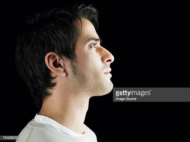 Junger Mann Denken
