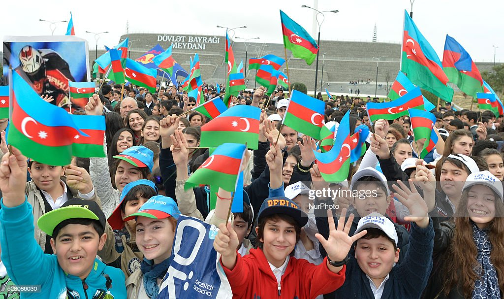 Young members of the public ahead of the opening stage of the 5th Tour d'Azerbaijan 2016, Baku to Sumqayitl Stage (153.5 km). Sumqayitl, Azerbaijan, on Wednesday, 4 May 2016.