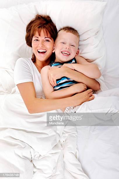 Jeune mère et son enfant