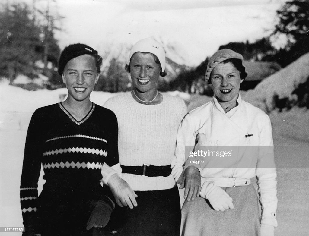 Young munich ice skater Maxie Herber (in the middle); the englishwoman Miss Colledge and the french Mme. Clairicetti. Swizzerland. About 1930. Photograph. (Photo by Imagno/Getty Images) Die junge Münchner Eisläuferin Maxi Herber (mitte) ; die Engländerin Miss Colledge und die Franzosin Mme. Clairicetti. Schweiz. Um 1930. Photographie.