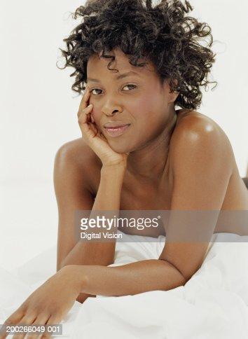 Pretty nude girl looking away — Stock Photo © stolbik84