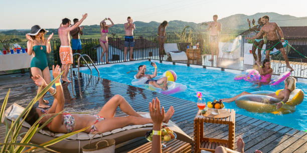 Nkoso Geng Summer Pool Party At Money Pee Hotel On http://goldenmusic.ml
