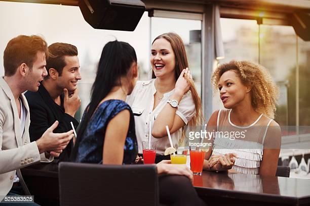 Junge Menschen in einem club