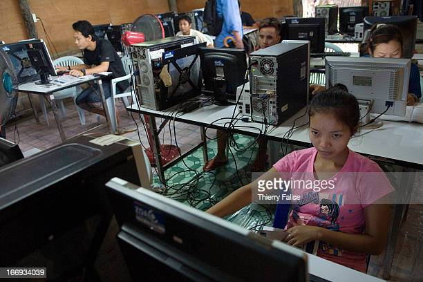 A young refugee attends a computer workshop run by the NGO ZOA in Mae La camp About 35000 refugees from Burma live in Mae La camp