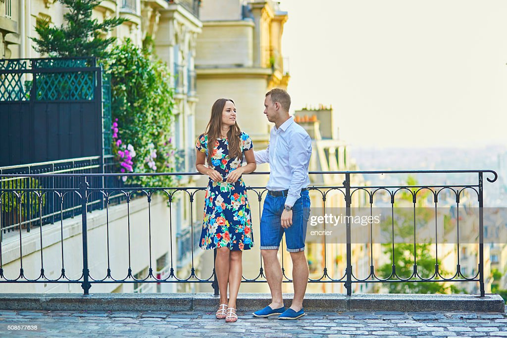 Young romantic couple having a date in Paris, France : Stock Photo