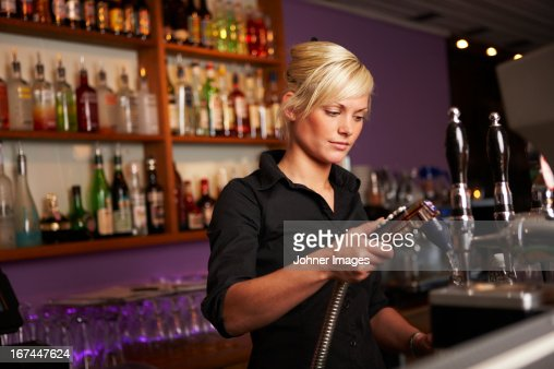 dating a woman bartender