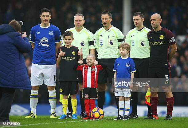 Young Sunderland fan Bradley Lowery poses for the cameras prior to kickoff during the Premier League match between Everton and Manchester City at...