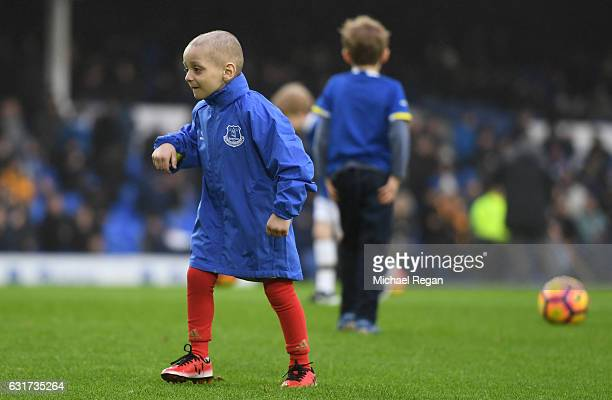 Young Sunderland fan Bradley Lowery warms up with the teams prior to kickoff during the Premier League match between Everton and Manchester City at...