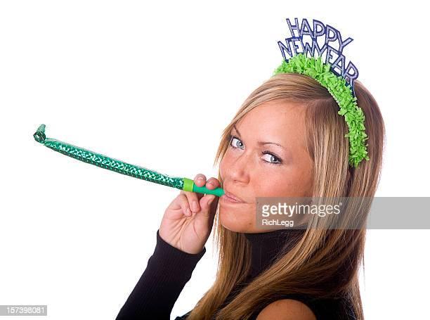 Jeune femme fête la Saint-Sylvestre