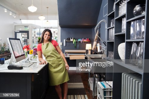 Young Woman Florist Small Business Flower Shop Owner, Checkout Counter : Stock Photo
