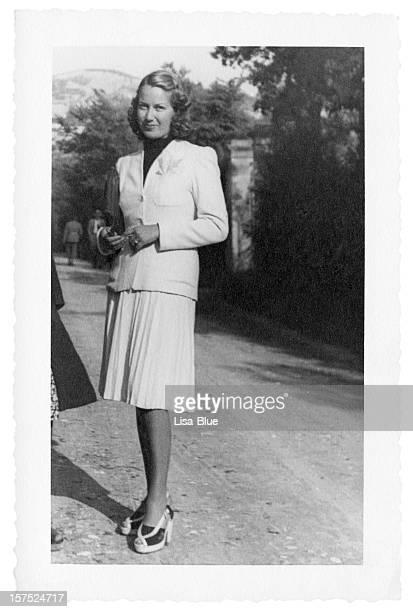 Jeune femme en 1941.Black et blanc