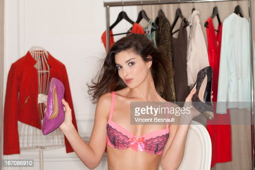 Young woman in her dressing room : Stock Photo