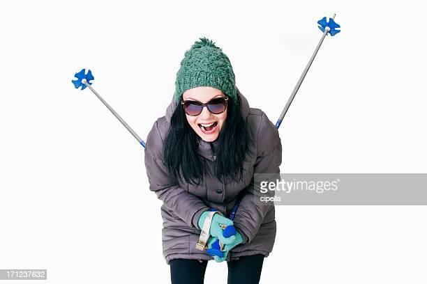 Jeune femme à l'équipement d'hiver