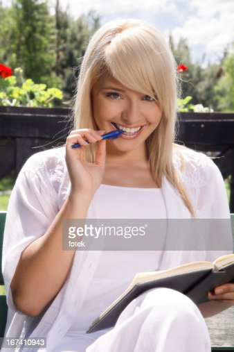 Young woman planning : Stock Photo