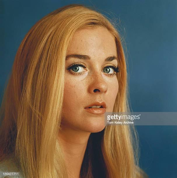 Young woman, portrait, close-up