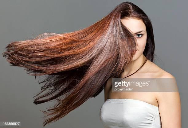 Mulher jovem Retrato com cabelo bonito