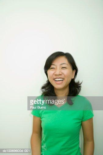 Young woman smiling : Bildbanksbilder