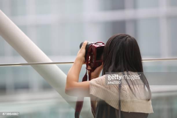 若い女性の写真を承っております。
