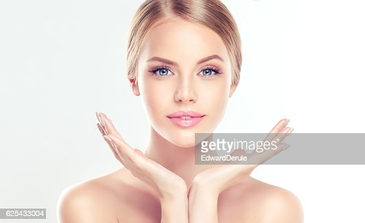 Young Woman with clean, fresh skin. : Stock-Foto