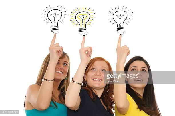 Junge Frauen mit Lampen