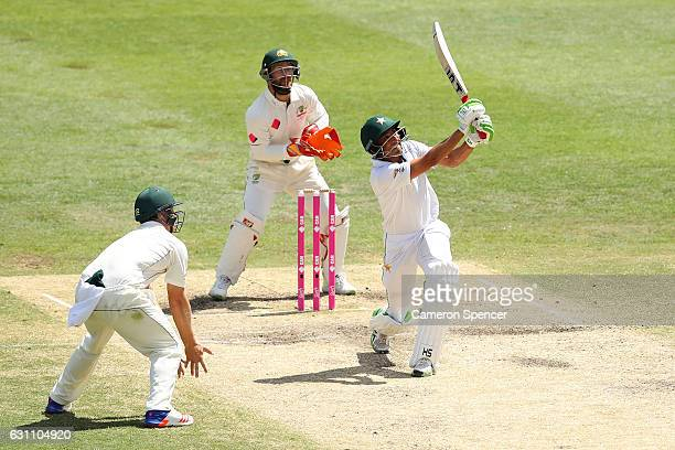 Younis Khan of Pakistan bats during day five of the Third Test match between Australia and Pakistan at Sydney Cricket Ground on January 7 2017 in...