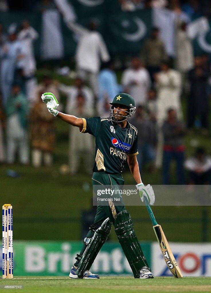<a gi-track='captionPersonalityLinkClicked' href=/galleries/search?phrase=Younis+Khan&family=editorial&specificpeople=585162 ng-click='$event.stopPropagation()'>Younis Khan</a> of Pakistan celebrates after reaching his century during the 4th One Day International match between Pakistan and New Zealand at Sheikh Zayed Stadium on December 17, 2014 in Abu Dhabi, United Arab Emirates.