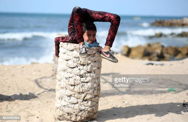 Yousef AlBahtini a twelveyearold Palestinian boy invited to attempt the record attempt for quotfastest time to travel 20 metres in a contortion...