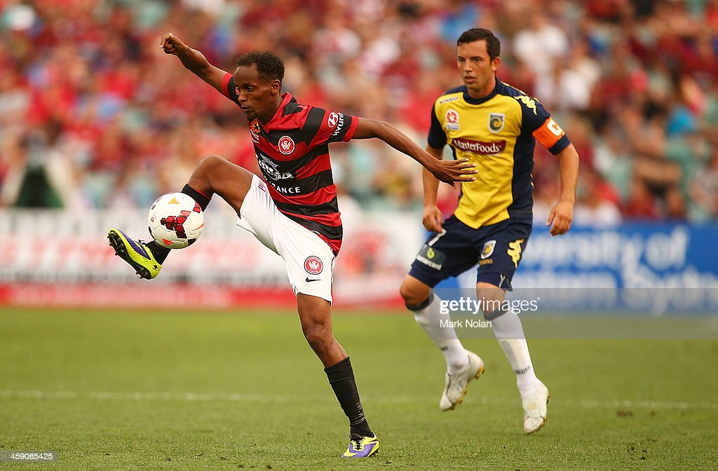 Youssouf Hersi of the Wanderers in action during the round 11 A-League match between the Western Sydney Wanderers and the Central Coast Mariners at Parramatta Stadium on December 23, 2013 in Sydney, Australia.